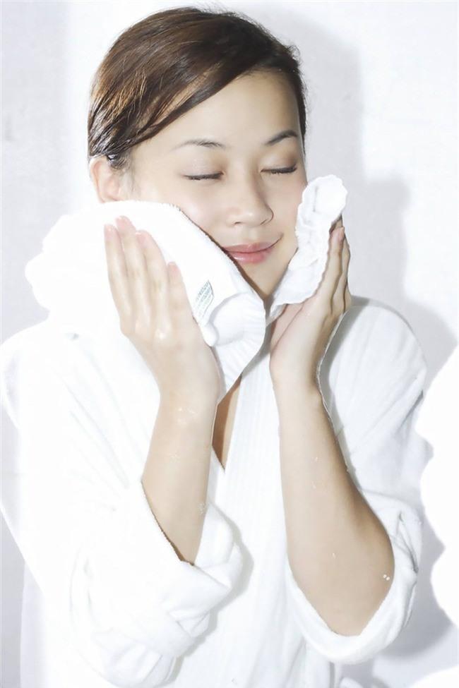 Hóa ra bí quyết rửa mặt trong những ngày đông buốt giá của các cô nàng xứ lạnh Hàn, Nhật chính là đây - Ảnh 1.