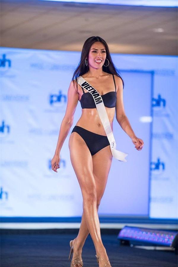 Người đẹp Nam Phi xuất sắc đăng quang Hoa hậu Hoàn vũ Thế giới 2017-2