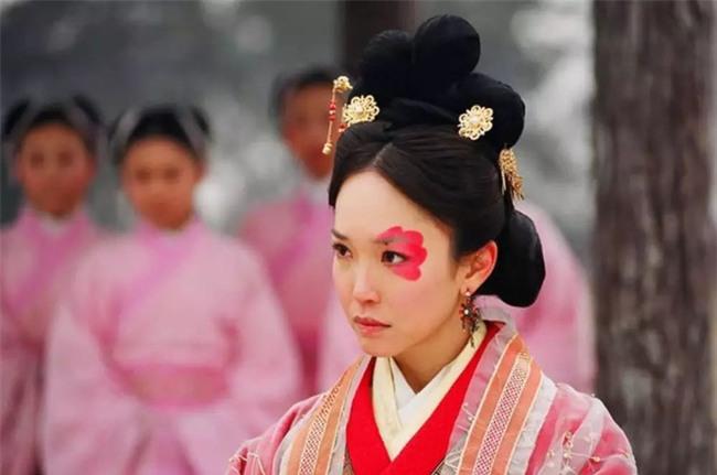 Số phận 5 người phụ nữ xấu xí nhất Trung Hoa: Kẻ bị ví như Dạ Xoa, người được làm Hoàng hậu - Ảnh 1.