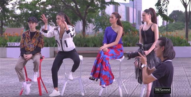The Look 2017: Minh Tú chém đẹp Phạm Hương và Kỳ Duyên với quần da dây dợ chằng chịt - Ảnh 1.