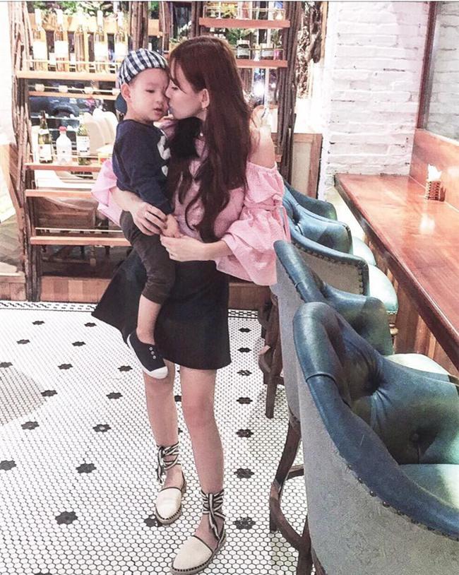 Thu Thủy liên tục đăng tải status buồn bã, cô đơn suốt nhiều tháng giữa thời điểm xuất hiện tin đồn ly hôn - Ảnh 6.