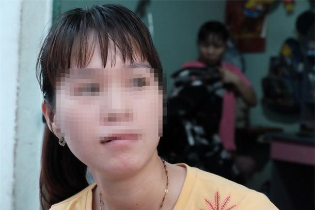 Vụ bảo mẫu bạo hành trẻ em tại Mầm Xanh: Phụ huynh tố vẫn còn người thứ tư tham gia đánh trẻ?