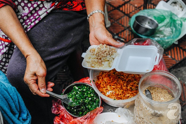4 món ăn ngon nức tiếng từ củ sắn, chỉ 10 ngàn đồng là dư sức xua đi giá lạnh mùa đông - Ảnh 5.
