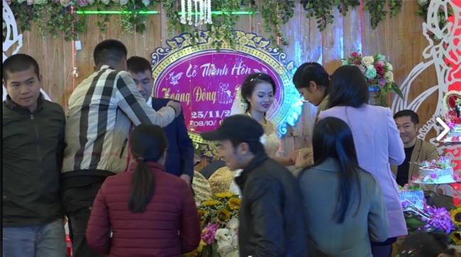 Cặp đôi được tặng nhiều vàng trong ngày cưới đến nỗi đủ mở cả tiệm trang sức - Ảnh 4.