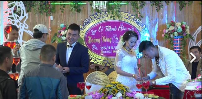 Cặp đôi được tặng nhiều vàng trong ngày cưới đến nỗi đủ mở cả tiệm trang sức - Ảnh 7.