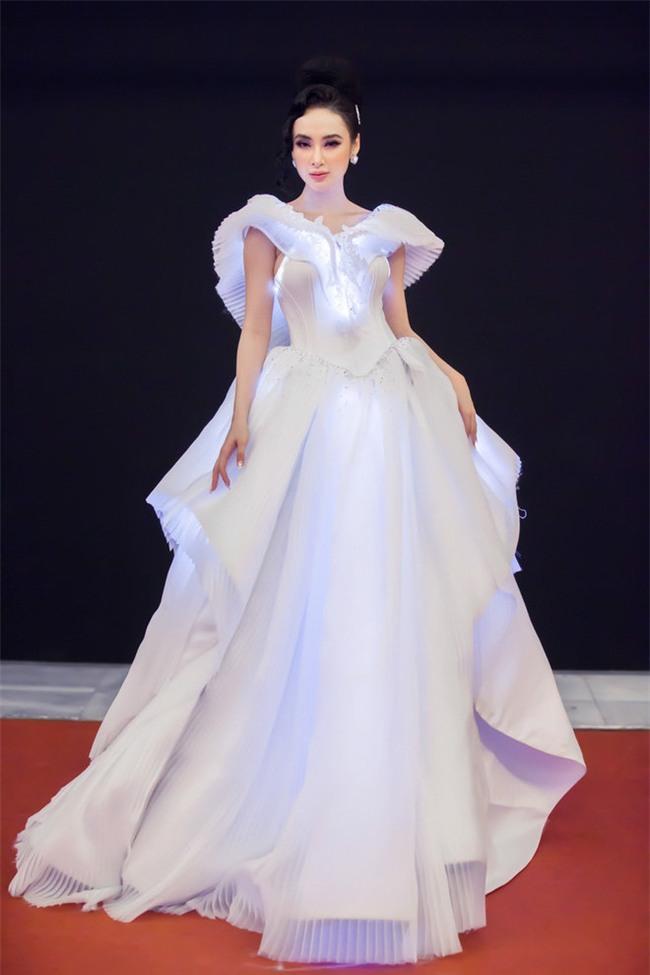 Những bộ váy phát sáng từng ghi dấu trong lịch sử thời trang-1