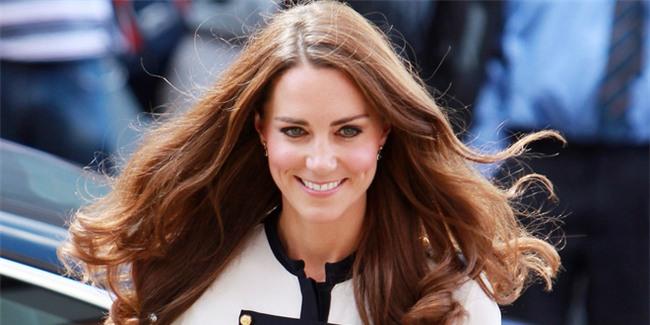 Đọ nhan sắc, thân thế của hai nàng dâu thường dân nổi tiếng của Hoàng gia Anh - Ảnh 2.