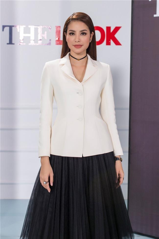 Cười ngất với hậu trường The Look 2017: Phạm Hương lỡ miệng nhắc tới Mai Ngô, nhầm lẫn ngôi vị cao nhất trong các cuộc thi - Ảnh 2.