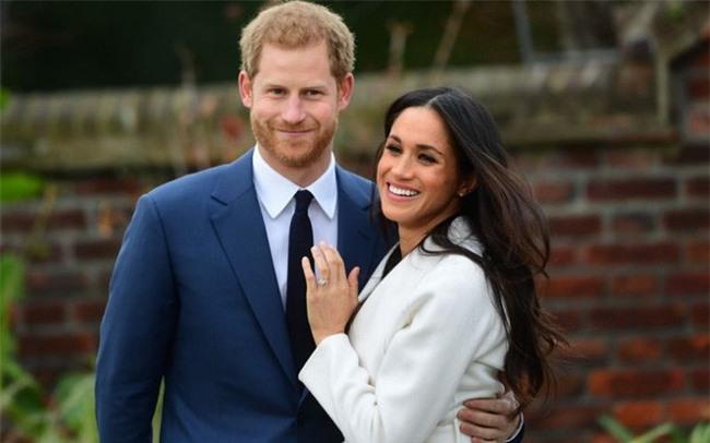 """Điểm lại những khoảnh khắc """"lịch sử"""" của mối tình cổ tích giữa hoàng tử Harry và hôn thê Meghan Markle - Ảnh 12."""