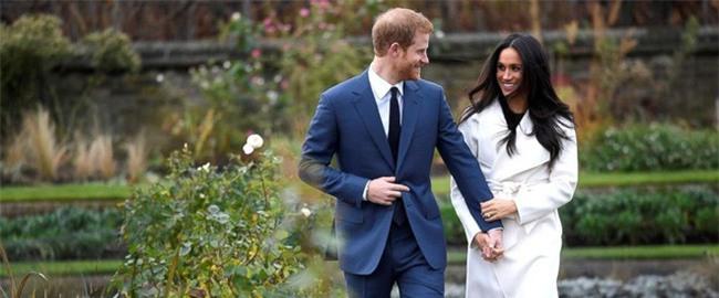 """Điểm lại những khoảnh khắc """"lịch sử"""" của mối tình cổ tích giữa hoàng tử Harry và hôn thê Meghan Markle - Ảnh 13."""