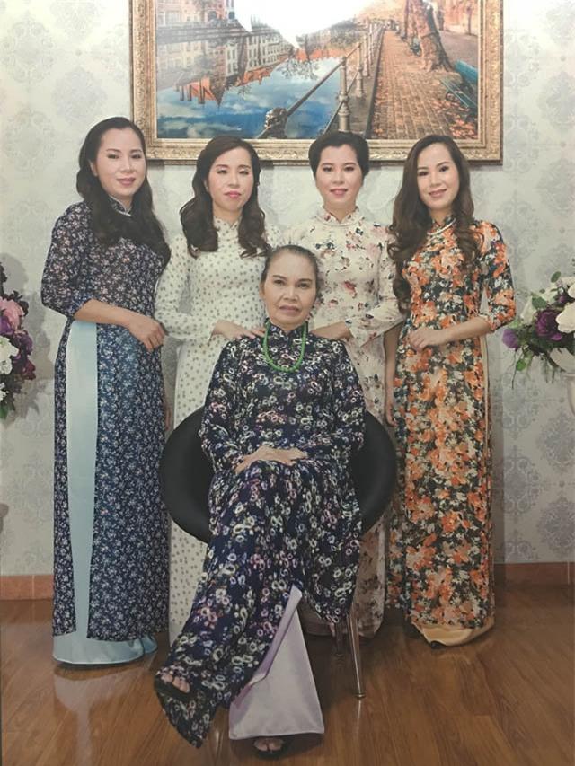 chuyen chua ke ve ca sinh 4 chan dong duoc co thu tuong dat ten bac, nam, thong, nhat - 4