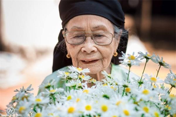 Bộ ảnh cúc họa mi 'phiên bản' bà ngoại khiến người ta phải mỉm cười ngay lập tức! - Ảnh 3.