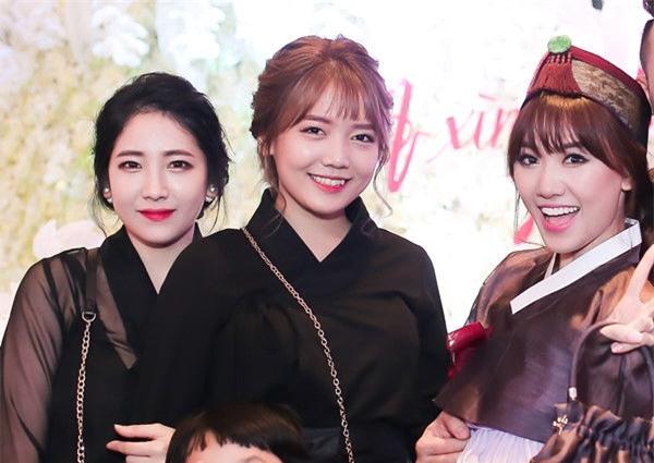 Chân dung ba chị em nhàHari, ngườiđược công chúng biết đến nhiều nhất tên là Rudya Yoo. - Tin sao Viet - Tin tuc sao Viet - Scandal sao Viet - Tin tuc cua Sao - Tin cua Sao
