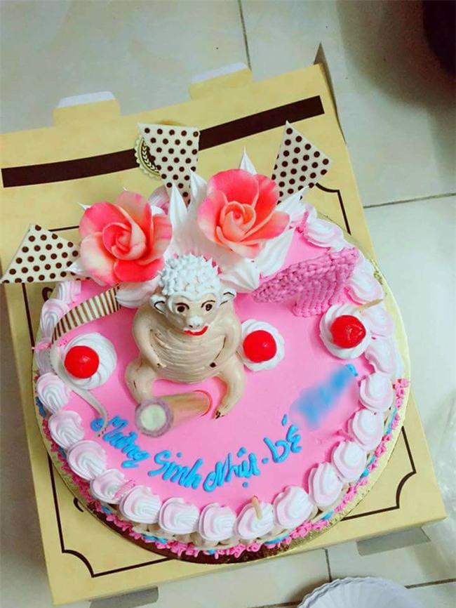 Bỏ 350 nghìn mua bánh sinh nhật hình khỉ, mẹ trẻ giận tím người nhận về chiếc bánh hình trâu khỏa thân - Ảnh 3.