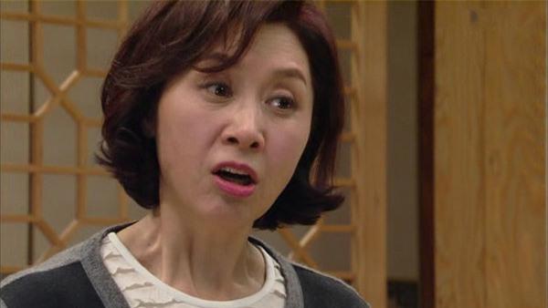 "cuoi xong, luong thang bi me chong ""lot sach"" vi: ""tien con kiem duoc deu la cua nha nay"" - 2"