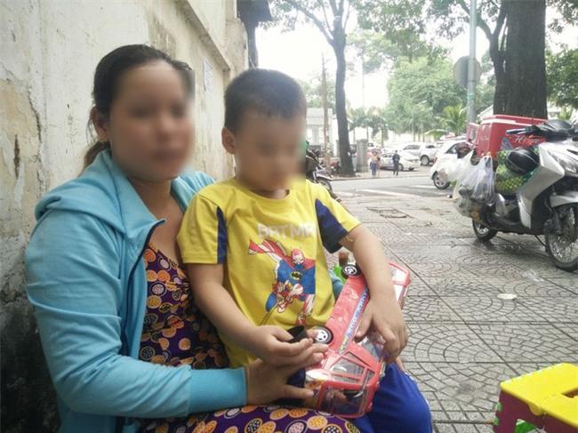 Mẹ của bé trai 5 tuổi bị bảo mẫu bạo hành ở Mầm Xanh: Cháu bị ám ảnh, liên tục khóc thét về đêm - Ảnh 8.