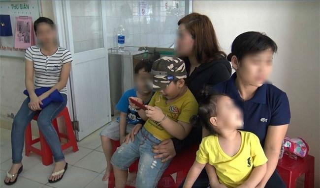 Mẹ của bé trai 5 tuổi bị bảo mẫu bạo hành ở Mầm Xanh: Cháu bị ám ảnh, liên tục khóc thét về đêm - Ảnh 9.