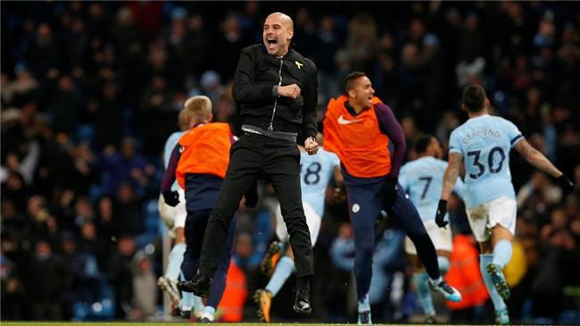 Sterling ghi ban phut 90+6, Man City lap ky luc Premier League hinh anh 14
