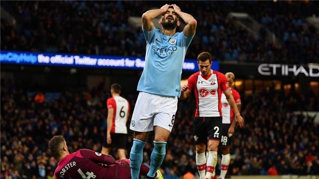 Sterling ghi ban phut 90+6, Man City lap ky luc Premier League hinh anh 5
