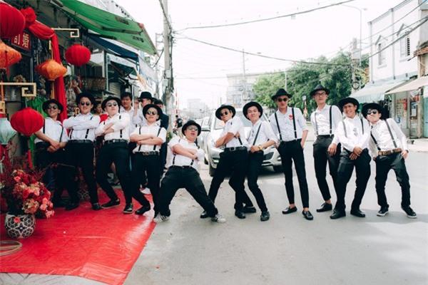 Dàn bê tráp theo phong cách 'bến Thượng Hải' của cô dâu người Việt gốc Hoa gây sốt mạng xã hội - Ảnh 11.
