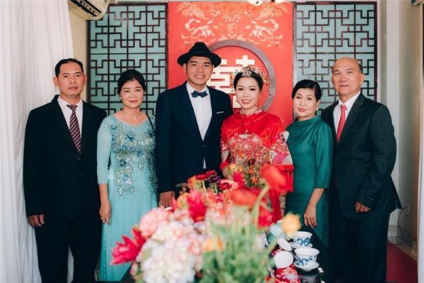 Dàn bê tráp theo phong cách 'bến Thượng Hải' của cô dâu người Việt gốc Hoa gây sốt mạng xã hội - Ảnh 5.