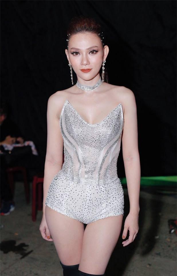 Sau ly hôn, Thu Thủy lên đời phong cách sexy vạn người mê-6
