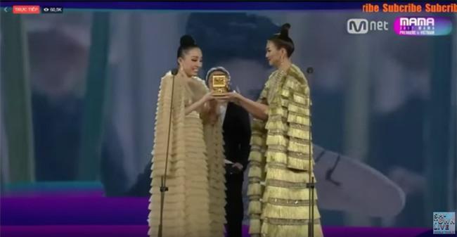 Tung bộ ảnh mới, Kỳ Duyên vô tình tạo nên màn tranh đấu váy áo với cả Tóc Tiên và Hari Won - Ảnh 5.