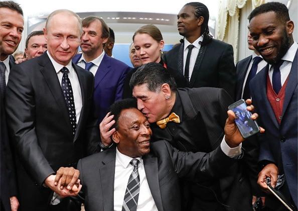 Vì sao Diego Maradona luôn đeo 2 đồng hồ trong các sự kiện lớn?-8