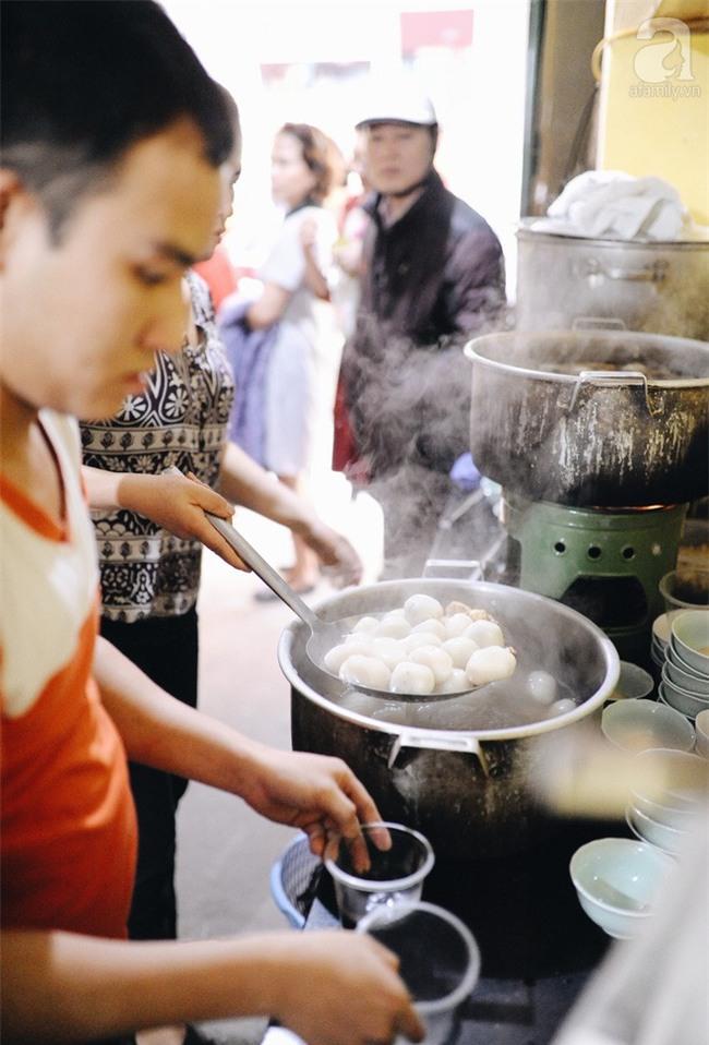 5 quán ăn nổi tiếng Hà Nội bỗng nhiên đóng cửa: Quán bặt tăm không dấu vết, quán hồi sinh trong sự chào đón của thực khách - Ảnh 16.