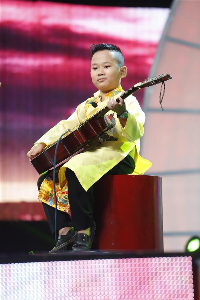 Mặt trời bé con: Cô bé 10 tuổi khởi nghiệp bằng việc bán chè bưởi khiến khán giả ngỡ ngàng - Ảnh 8.
