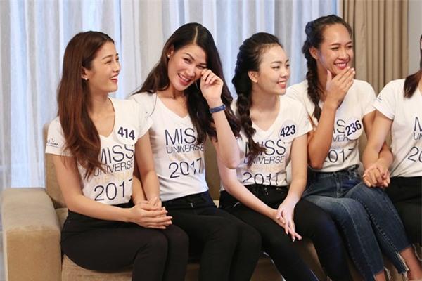 Chết cười khi nghe Phạm Hương khi chê thí sinh hoa hậu giống cô gái hái bưởi-4