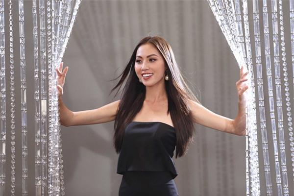 Chết cười khi nghe Phạm Hương khi chê thí sinh hoa hậu giống cô gái hái bưởi-9