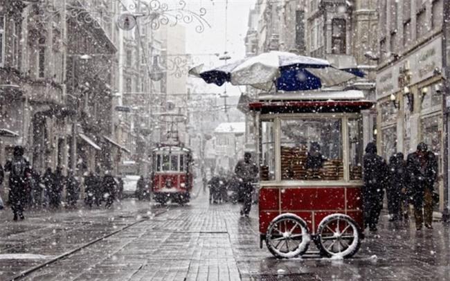 Ngất ngây với những hình ảnh tuyết rơi đẹp lung linh trên khắp thế giới - Ảnh 18.