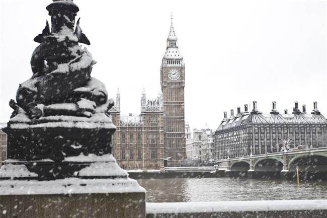 Ngất ngây với những hình ảnh tuyết rơi đẹp lung linh trên khắp thế giới - Ảnh 28.