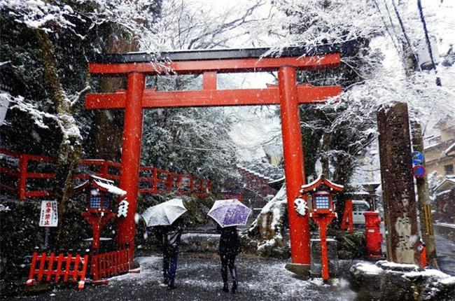 Ngất ngây với những hình ảnh tuyết rơi đẹp lung linh trên khắp thế giới - Ảnh 8.