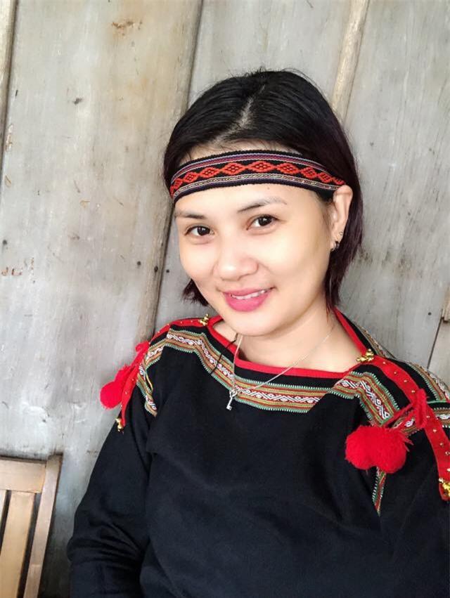 Hoa khôi bóng chuyền Kim Huệ hóa sơn nữ xinh đẹp giữa núi rừng Tây Nguyên - Ảnh 3.