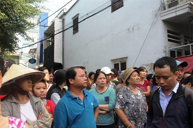 tp.hcm: nha boc chay nghi ngut luc rang sang, me va 2 con gai chet thuong tam - 3