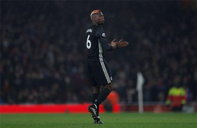 MU rối bời: Martial chửi Mourinho, Pogba nguy cơ bị phạt nặng - 2