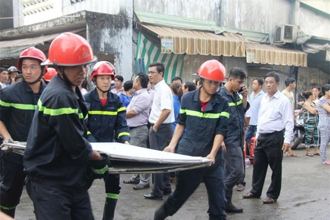 Vụ hỏa hoạn làm 3 mẹ con chết cháy: Người thân ngã quỵ, bật khóc nức nở tại hiện trường - Ảnh 5.