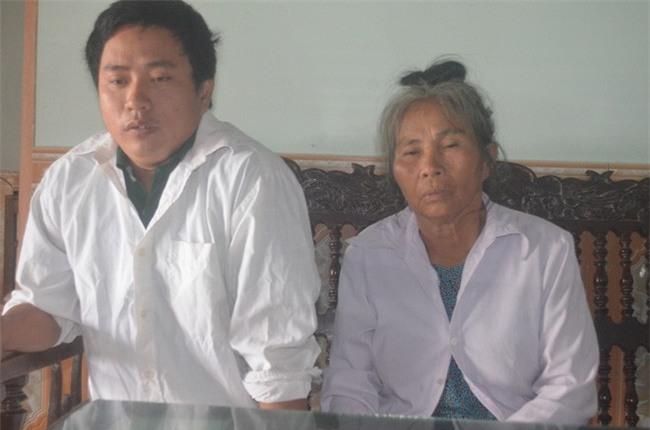 2 đời vợ, 2 chân bị cắt cụt, nguồn sống của người đàn ông này gói gọn ở cô con gái nhỏ - Ảnh 2.