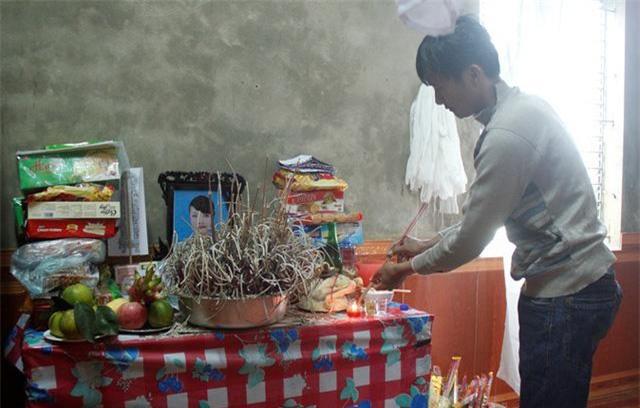 """nu sinh bi ban trai sat hai: bo me nan nhan coi nghi pham """"nhu con cai trong nha"""" - 2"""