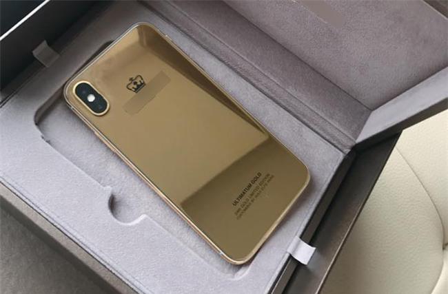 Bỏ gần 1 tỷ độ iPhone X vàng nguyên khối đầu tiên tại Việt Nam, thế mới thấy dân ta chịu chơi đến nhường nào - Ảnh 1.