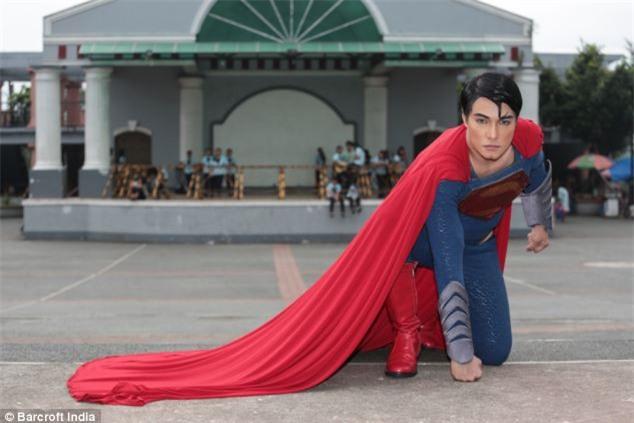 Chàng trai người Philippines vung tiền thẩm mỹ để giống hệt Superman, chỉ thiếu mỗi nước học bay - Ảnh 3.