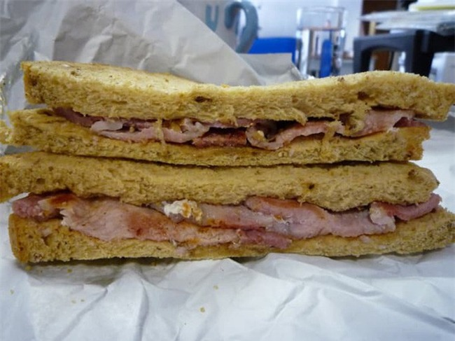 10 loại sandwich đơn giản nhưng ăn là nghiện trên thế giới - Ảnh 4.