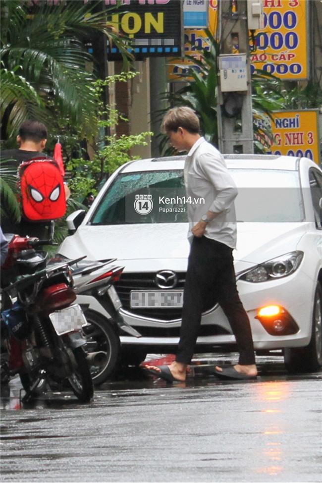 Độc quyền: Im lặng giữa tâm bão scandal, Trương Quỳnh Anh ở nhà chờ Tim đón con trai đi học về - Ảnh 9.