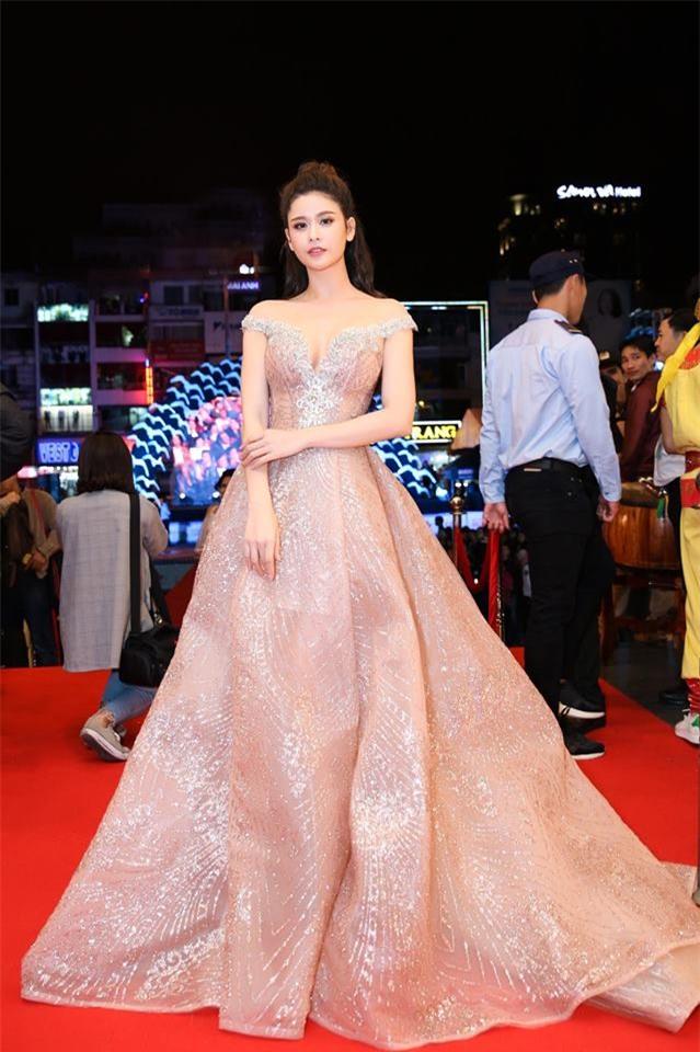 Gái một con Trương Quỳnh Anh và phong cách thời trang khiến mày râu mê đắm-1