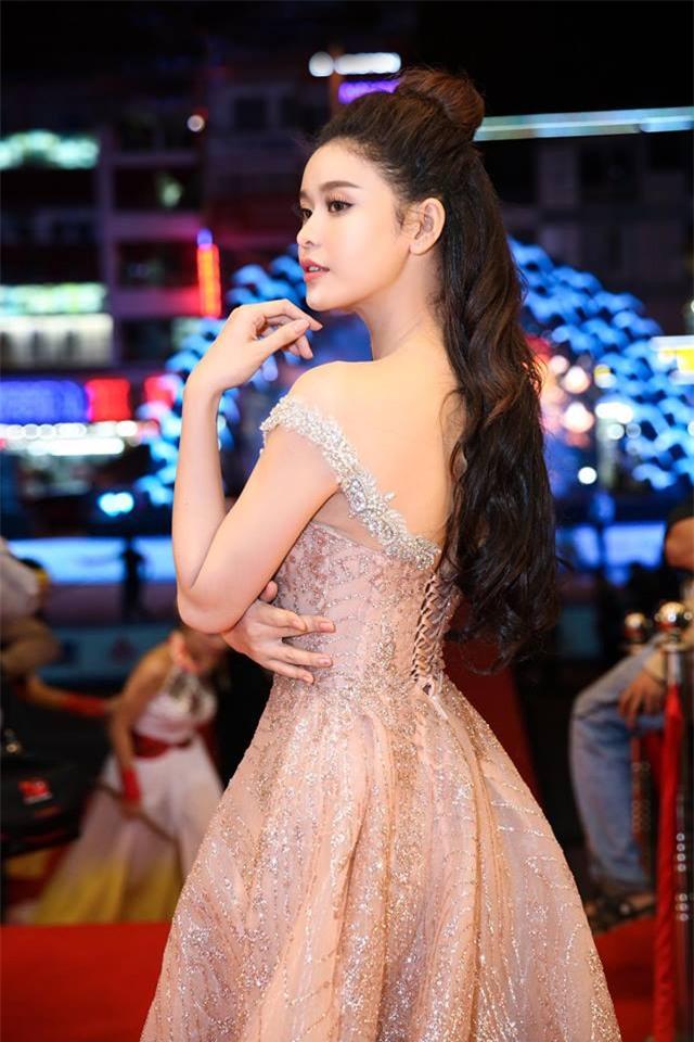 Gái một con Trương Quỳnh Anh và phong cách thời trang khiến mày râu mê đắm-3
