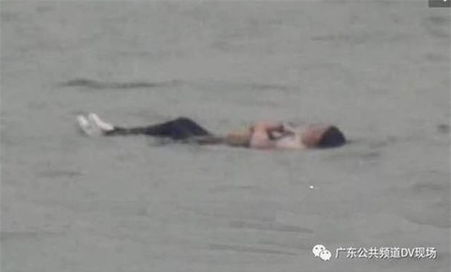 Bi hài người phụ nữ nhảy xuống sông tự tử nhưng không thành vì lý do bất ngờ - Ảnh 2.
