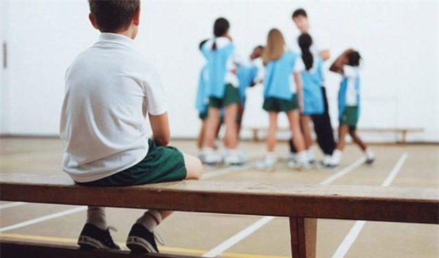 10 dấu hiệu báo động ở trẻ, nếu không khắc phục sớm sẽ tạo thành khiếm khuyết về tính cách - Ảnh 2.