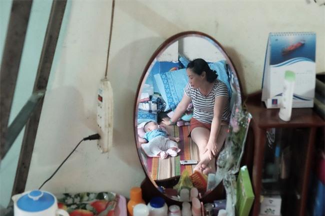 Người phụ nữ cưu mang bé trai bị bỏ rơi suốt 3 tháng trời có nguy cơ không được nhận con nuôi - Ảnh 2.